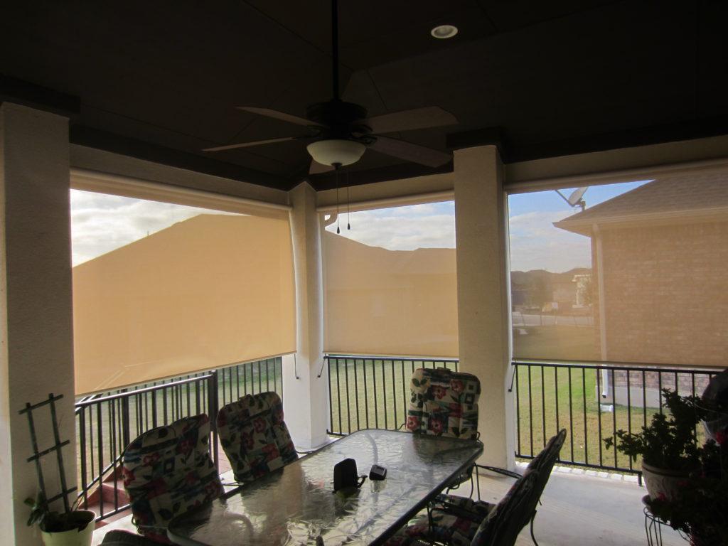 Exterior grade 97% Beige/White roller shade fabric.
