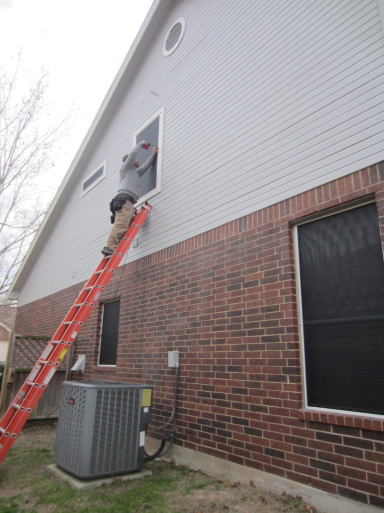 Putting the last solar screen up for this right side.